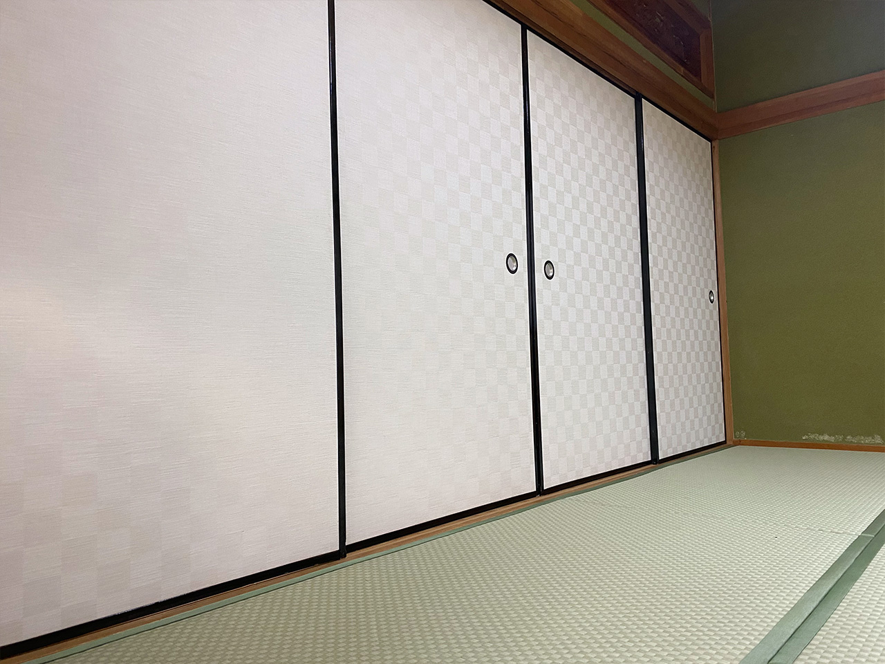 お客様が自らリフォームされた古民家の畳・ふすまの張り替え、新調をさせていただきました。